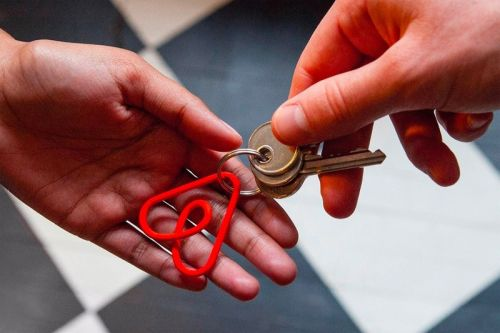 Airbnb Hoping to Raise Additional $1 Billion USD in Debt