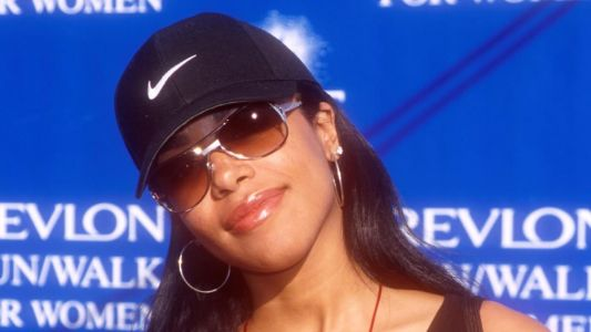 Great Outfits in Fashion History : Aaliyah's Good Hat Hair and Sporty Lip Gloss