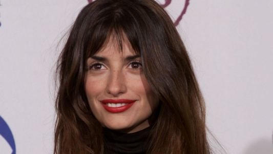 Great Outfits in Fashion History : Penélope Cruz's Bare Face and Red Lips