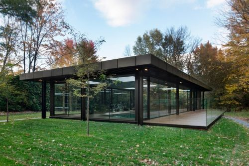 Philip Johnson's Glass House Inspires the Pavilion A Pool House
