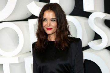 Katie Holmes Shows Off Her Stomach Stretch Marks In Unedited New Photos