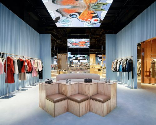 Burberry Blurs The Physical With The Virtual In a Brand New Retail Experience