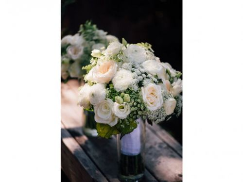 Move Over, Peonies! The Hottest Bridal Blooms for 2017