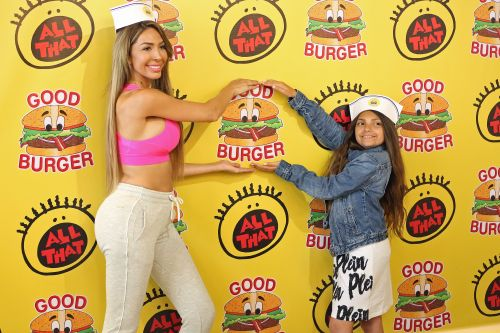 Farrah Abraham Flashes Her Incredible Abs During An Outing With Daughter Sophia