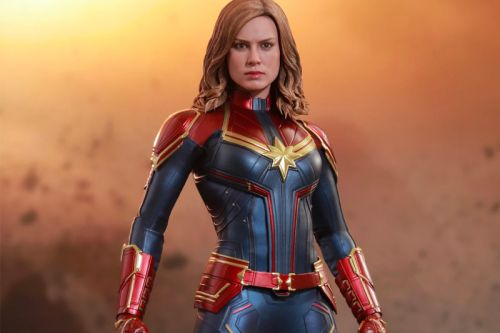Hot Toys' 1/6th Scale 'Captain Marvel' Figure Offers a Closer Look at the Hero
