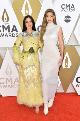 Gigi Hadid and Kacey Musgraves Are BFF Goals on the 2019 CMA Awards Red Carpet