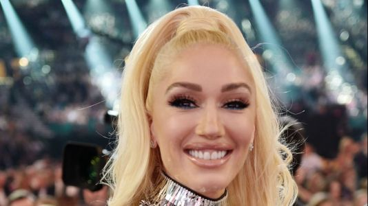Experts Think Gwen Stefani Had 'Botox' and 'Lip Augmentation' - But Also Might Be Really Good at Contouring