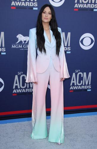 No, I Will Never Get Over Kacey Musgraves' Incredible Ombré Suit