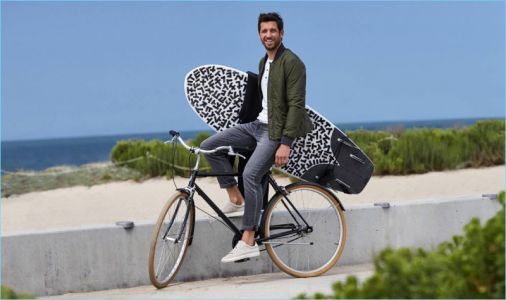 Albert Reed Connects with Banana Republic, Dons Its Traveler Pant