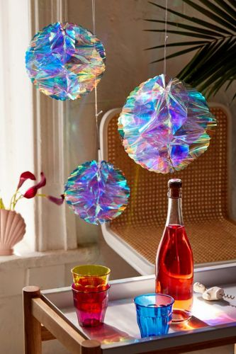 The Shopper's Guide to New Year's Eve Decor Ideas