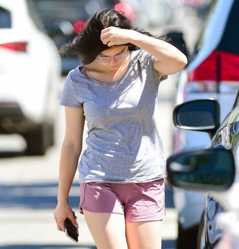 Ariel Winter Shows Off Her Toned Legs in a Cute Casual Outfit While Shopping in L.A