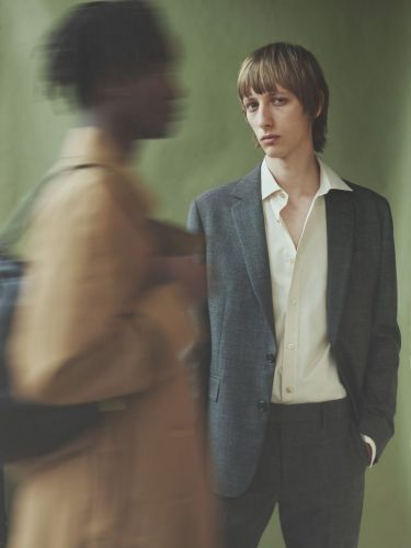 Paul Smith Delivers Chic Summer Tailoring