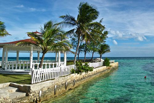 How to visit the Bahamas: A helpful travel guide
