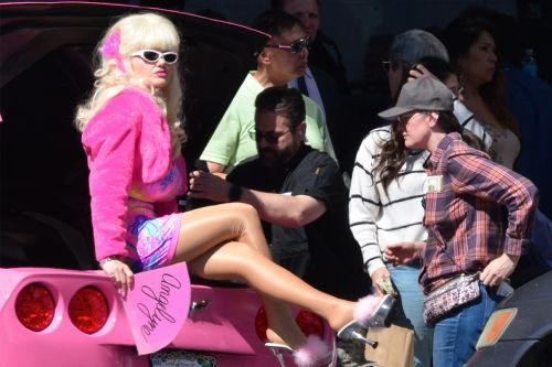 Emmy Rossum unrecognizable while filming new 'Angelyne' show