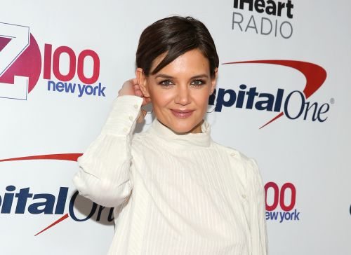 Fans of Katie Holmes Think She May Be Pregnant With Jamie Foxx's Child