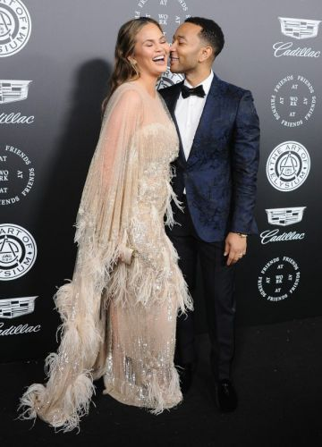 Chrissy Teigen Is Legit the Chicest Pregnant Woman Ever-Here's Proof