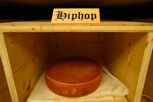 Hip-Hop Du Fromage: Researchers Claim the Musical Genre Ages Cheese the Best