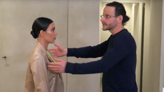 WATCH: Desperate Kim Kardashian Seeks Help From Psychic After Psoriasis Spreads To Her Face