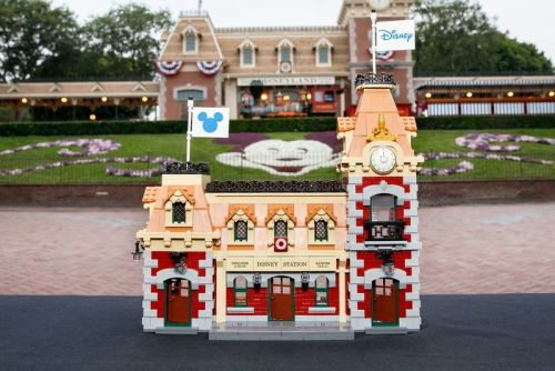 LEGO Transforms Disney Parks® Landmark Into 2,925-Piece Set