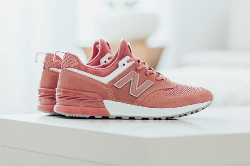 "New Balance Coats the 574 Sport in ""Dusted Peach"""