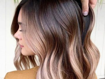 Smoky Gold Is The Winter Hair Color Trend That's All Over Social Media