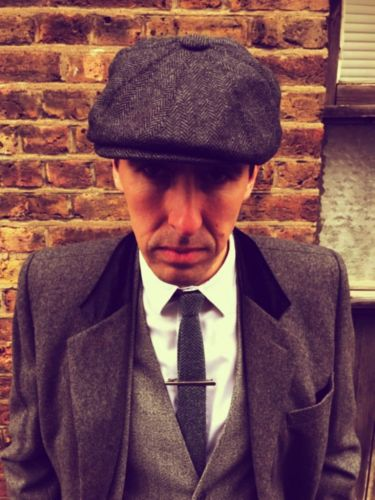 PULL A PEAKY BLINDER WITH THE FLAT PACK FLAT CAP