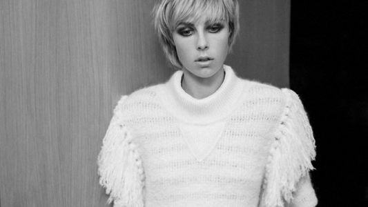 Edie Campbell has urged fashion shows to provide changing rooms for models