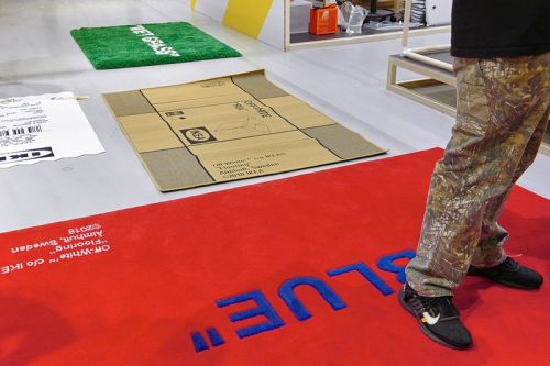 """Virgil Abloh x IKEA Bring """"FITTING ROOMS"""" Try-On Pop-Up to London Fashion Week 2019"""