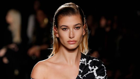 Hailey Baldwin Swears By This Top-Rated Miracle Hair Product