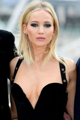 Jennifer Lawrence Shows Us How to Pull Off the Most Gorgeous