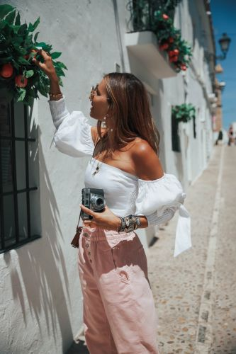 TAKING PICTURES IN ALTEA