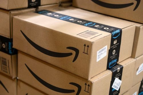 Amazon in Talks to Turn Closed Malls Into Fulfillment Centers