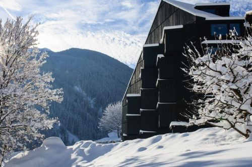 This Relaxing Hillside Hotel Is a Perfect Getaway