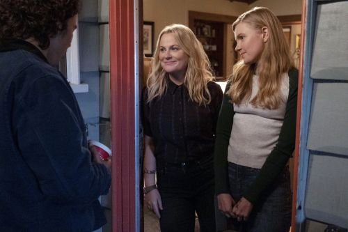 'Moxie' review: Amy Poehler's latest try at directing doesn't land