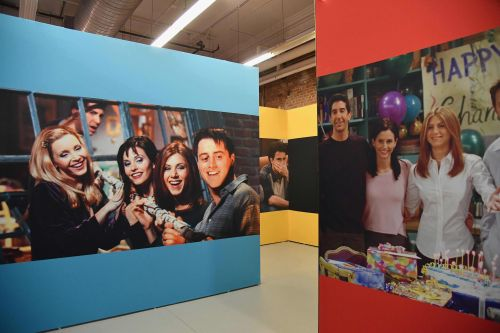Overhyped 'Friends' pop-up is a 25th anniversary rip-off