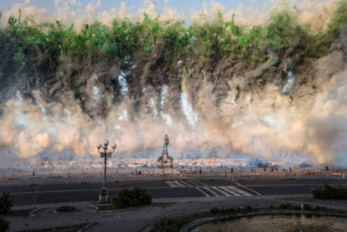 Cai Guo Qiang Launches 50,000 Floral Fireworks in Florence