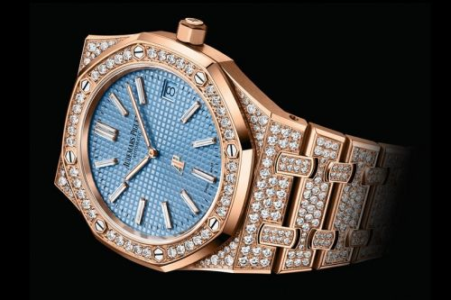 """Audemars Piguet Releases Three New Iced-Out Versions of the Royal Oak """"Jumbo"""" Extra-Thin"""