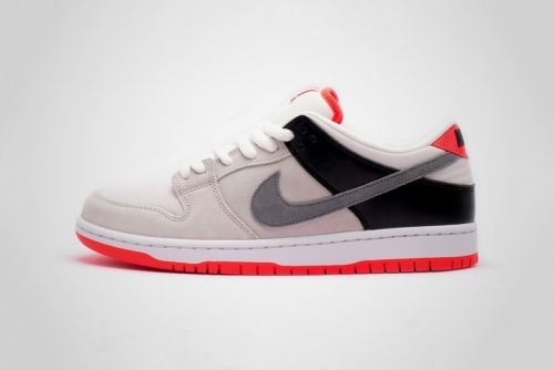 "Nike SB Dunk Low Pro ISO ""Infrared"" Has Air Max 90-Inspired Colors"