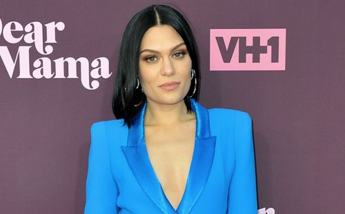 Jessie J Claps Back at Rude Body-Shamers Commenting on Her 'Cellulite': 'I Know, I Own a Mirror'
