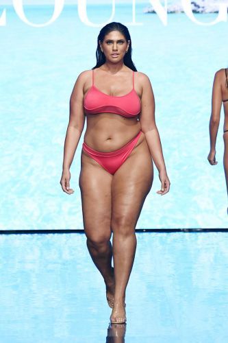 Lounge Takes the Runway by Storm with Closing Show at Miami Swim Week