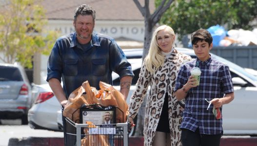 Blake Shelton Spends All Easter Sunday With Gwen Stefani and Her Kids: See Photos!