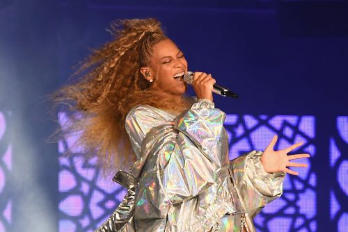 Beyoncé rocks a head-to-toe Burberry costume