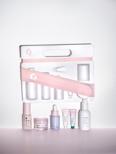 Glossier's Holiday Gifts are a One-Stop-Shop for Your Travel Needs