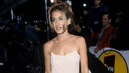 Great Outfits in Fashion History: Sarah Jessica Parker's '90s Naked Dress