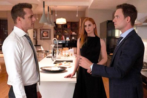 Ex-'Suits' star makes dramatic return to USA legal series