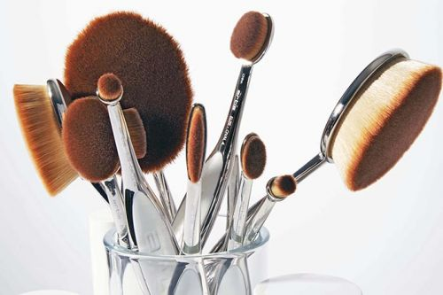An Interview with the Masterminds Behind Artis Brushes