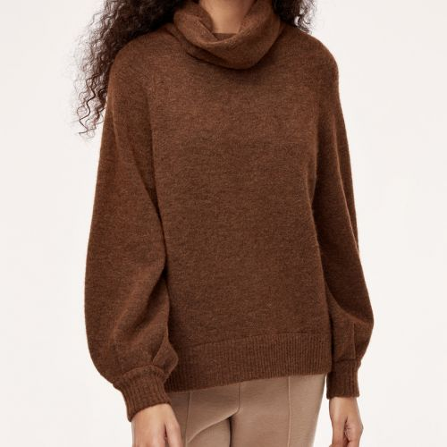 Our Top 5 Picks From Aritzia's Sale Section