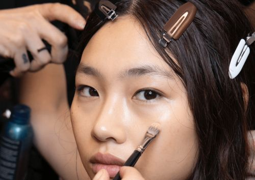 17 Makeup Artist-Approved Beauty Tools to Level Up Your At-Home Routine