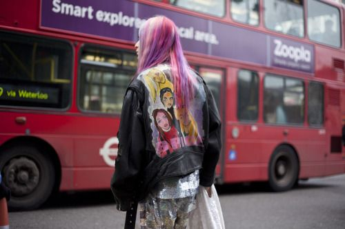 Pink hair, Spice Girls and sequins? It's a 90s dream look.