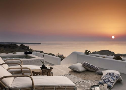 Find Your Own Island at Santo Maris Oia Luxury Suites & Spa